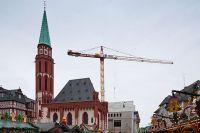 01_Blick-vom-Roemer-auf-das-Ausstellungshaus-Stadt-Frankfurt-Foto-LUMEN