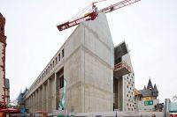 02_Blick-auf-das-Ausstellungshaus-mit-Ausguck-Stadt-Frankfurt-Foto-LUMEN